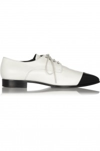 Two-tone pointed leather brogues