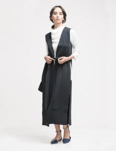 Black Lerra Long vest