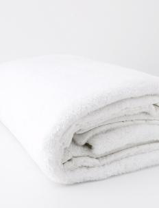 Long Fur Blanket In White