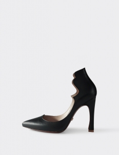 Black Astrid Pumps