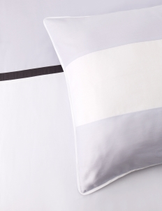 White & Lilac 200 Bedding Set