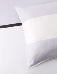 White & Lilac 180 Bedding Set