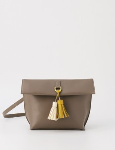 Läder Clutch in Camel Sand