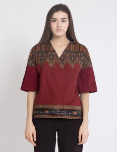 Maroon Kimmy Pleated Top