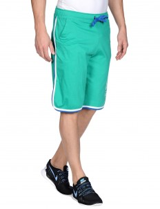 Athletic pant SHORTS WITH CONTRAST PIPING WITH A GRAPHIC PRINT