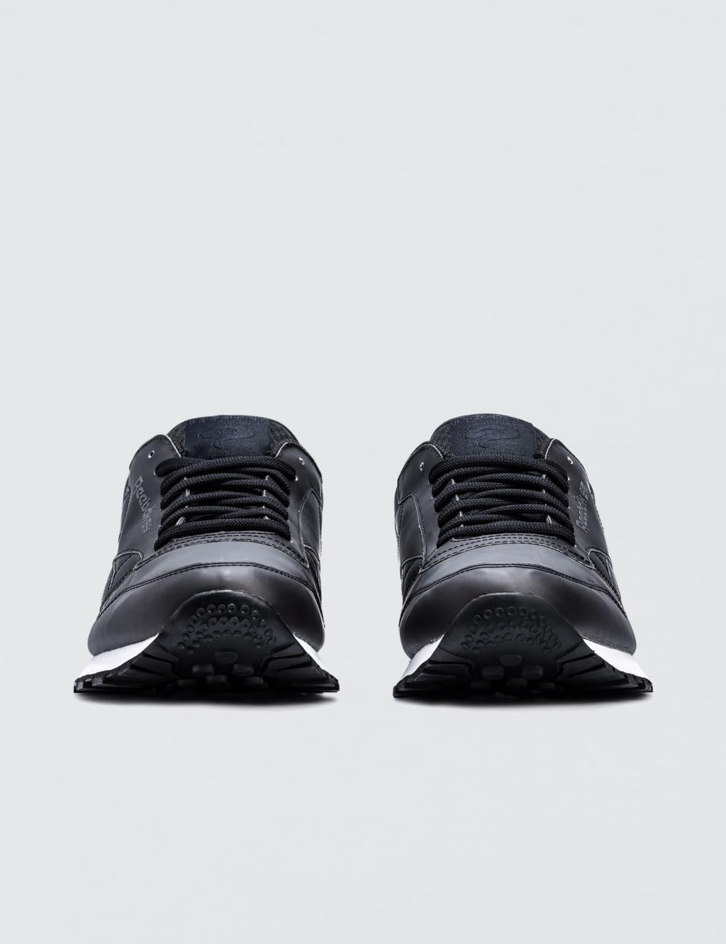 Jual Reebok Cl Leather Af 100 Original Bobobobo Atsthelabel Eeva Black Top