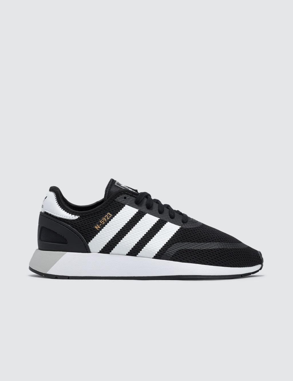 Jual Adidas Originals Iniki Runner Cls 100 Original Bobobobo Sepatu