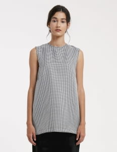Day and Night Houndstooth Carol Top