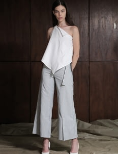 Zhettova White Freja Asymmetric Top