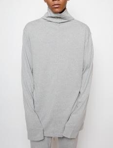 Muzca Misty Gray Turtle Neck Sweatshirt