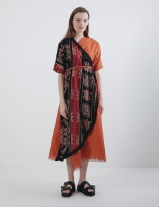 Oemah Etnik Orange Bajo Tenun Dress