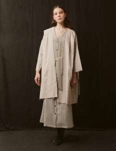 ATS THE LABEL Sand Janica Outerwear
