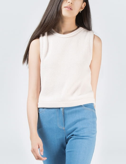1 by O'2nd Champagne Maid Sleeveless Honeycomb Knit Top