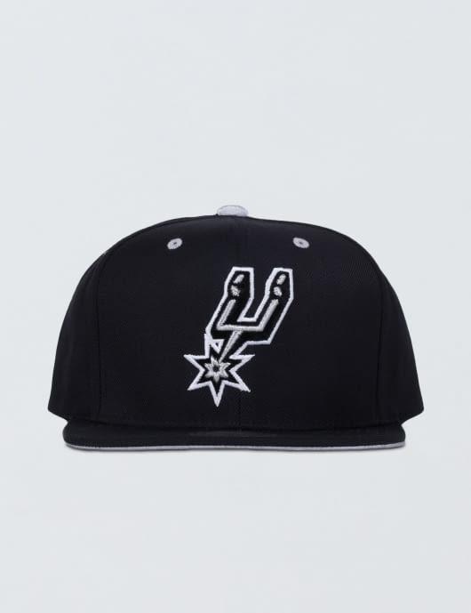 Mitchell & Ness San Antonio Spurs Solid Velour Logo Snapback