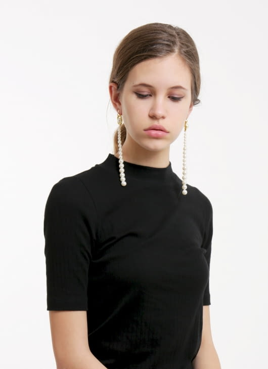 The Theme Cleopatra Pearl Long Earrings