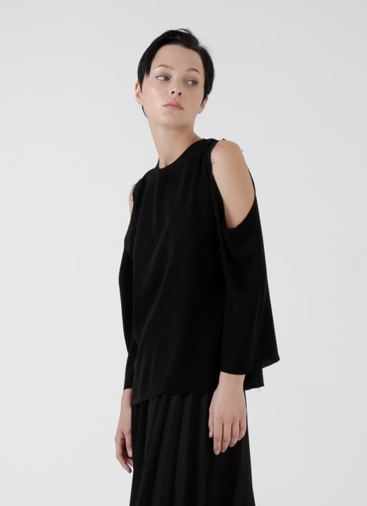 Aesthetic Pleasure Black Slice Top