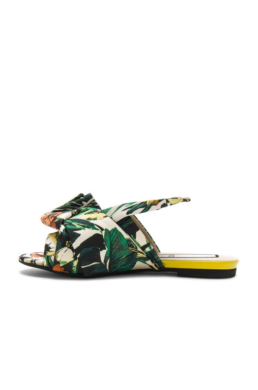 No. 21 Bow Sandal
