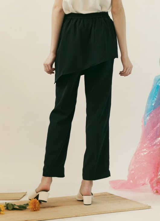 ATS THE LABEL Navy Lila Pants