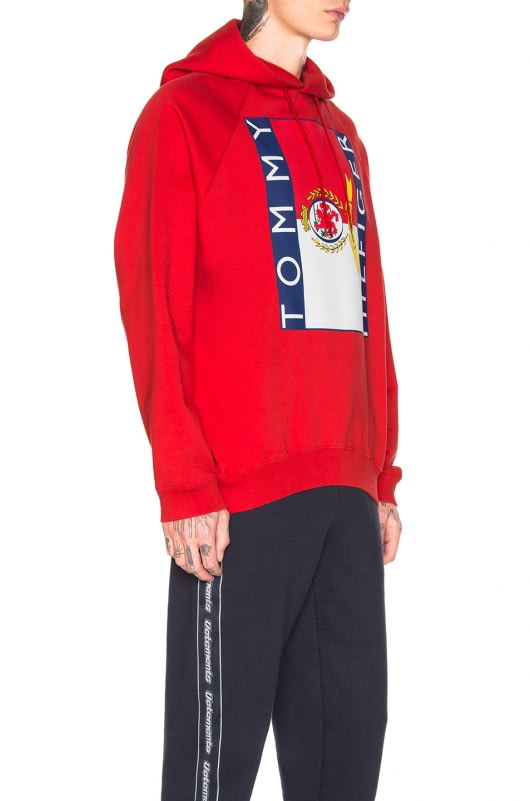 VETEMENTS x Tommy Hilfiger Print Oversized Hoodie