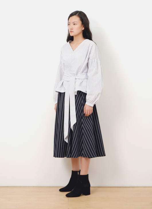 American Holic by Stripe Japan Navy Stripes Dunn Midi Skirt