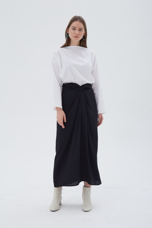 Shopatvelvet Curvature Skirt Black