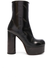 Vetements Embossed Logo Leather Platform Boots