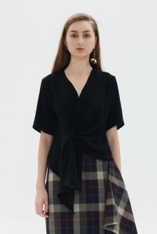 Shopatvelvet Facade Black